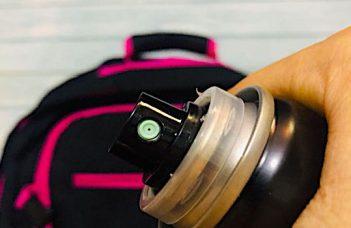 Laque aux cheveux en bagage cabine